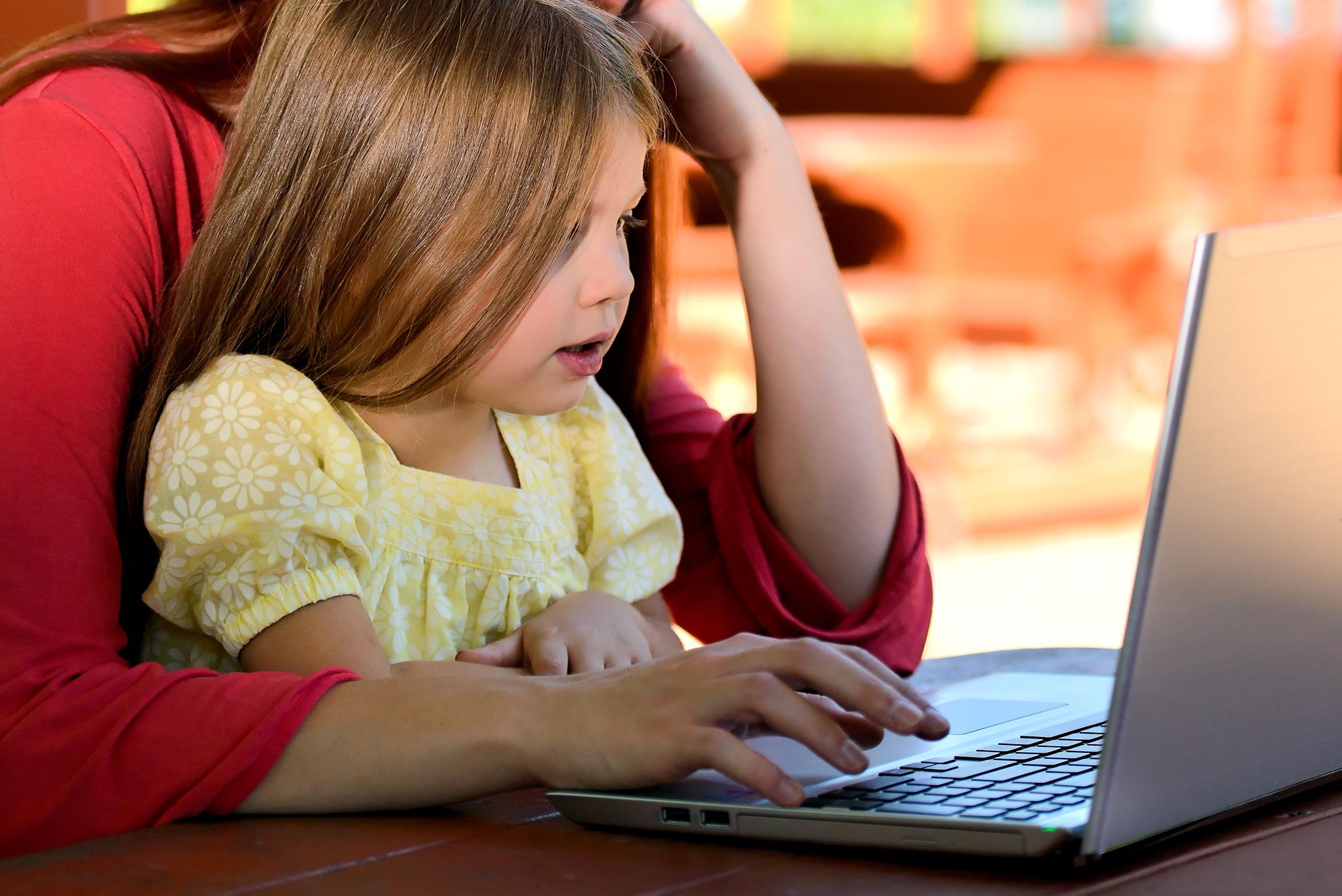 Jak zacząć prowadzić bloga będąc mamą?